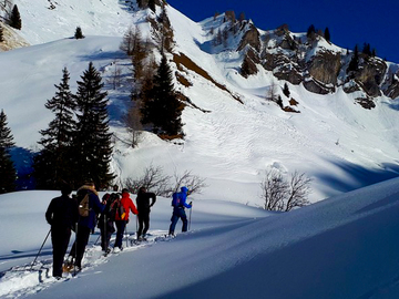 Private Experience (price per group): SNOWSHOEING IN TYROL