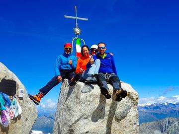 Private Experience (price per group): Tour dell'Adamello