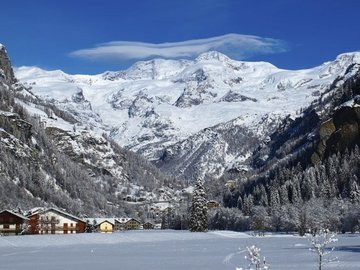 Experience (price per person): Ski lesson Monte Rosa Ski: Gressoney-Champoluc-Alagna  (full day)