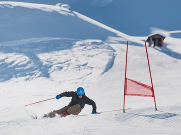Experience (price per group): Ski instructor lessons in the Dolomites
