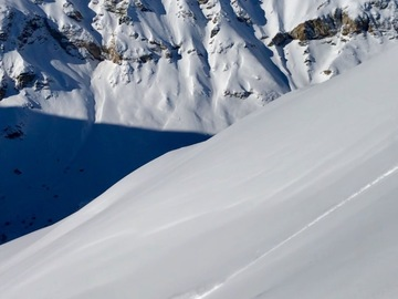 Experience (price per group): Off piste experience • Val d'Isere