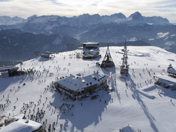 Experience (price per group): Ski day up to Plan de Corones - Val Gardena
