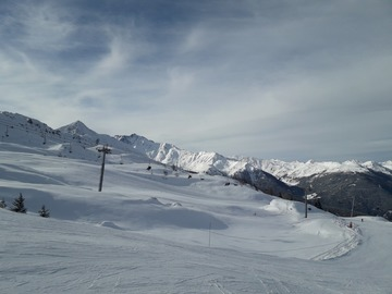 Experience (price per group): 1.5 hour snowboard lesson in Les arcs
