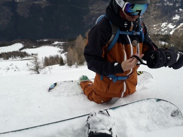 Experience (price per group): 1/2 day of snowboard freeride in Les Arcs