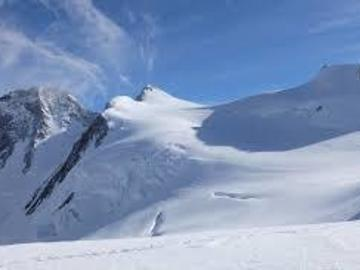 Experience (price per person): Con gli sci alla punta Gnifetti mt.4554 capanna Margherita