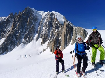 Private Experience (price per group): Freeride Skiing Chamonix valley