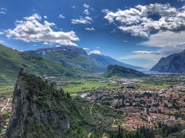 Experience (price per person): Trekking al Monte Colodri e Monte Colt