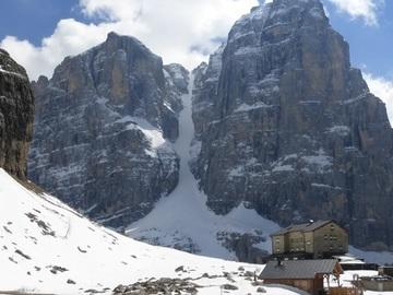 Experience (price per group): Canalone Neri - Cima Tosa - Dolomiti di Brenta