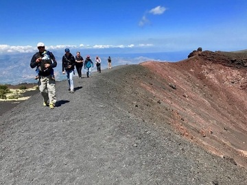Social Experience (price per person): Etna nord: Craters of 2002 eruption & eruptive fractures 1911/23