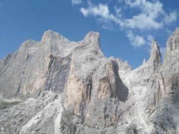 "Private Experience (price per group): Val del Vajolet ""Via Vuoto d'Aria"""