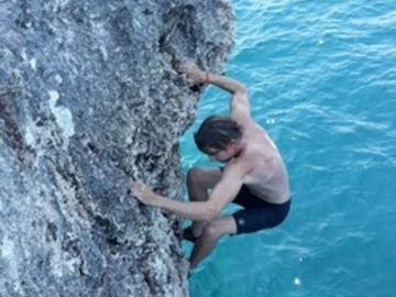 Esperienza (prezzo per gruppo): DeepWaterSolo Climbing Mallorca