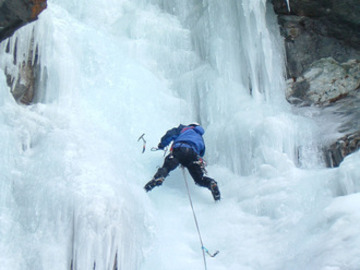 Experience (price per group): Ice Climbing / Eisklettern