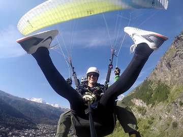 Private Experience (price per group): Tandem Paragliding Flight / Tandem Gleitschirmflug Riffelberg
