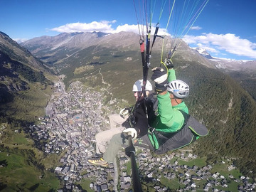 Private Experience (price per group): Tandem Paragliding Flight / Tandem Gleitschirmflug Blauherd