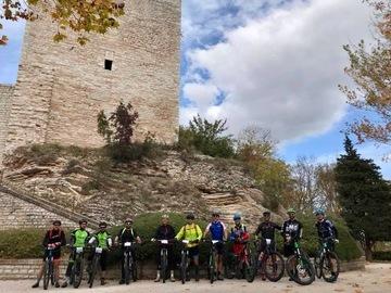 Social Experience (price per person): Escursioni MTB/E-BIKE a Sassoferrato