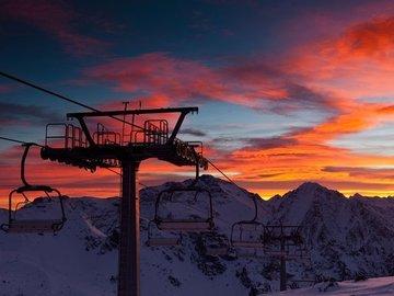 Social Experience (price per person): Ski lesson Mont Blanc area: Chamonix-Megeve-Courmayeur (half day)