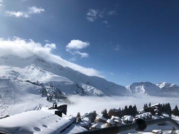 Social Experience (price per person): Ski private lesson in La Thuile - La Rosiere (half day)