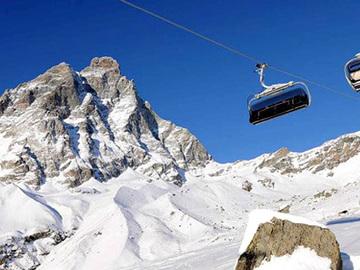 Social Experience (price per person): Ski lesson in Cervinia - Zermatt (full day)