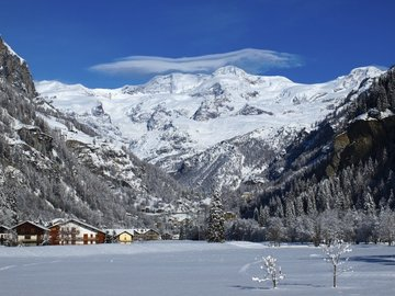 Social Experience (price per person): Ski lesson Monte Rosa Ski: Gressoney-Champoluc-Alagna (full day)