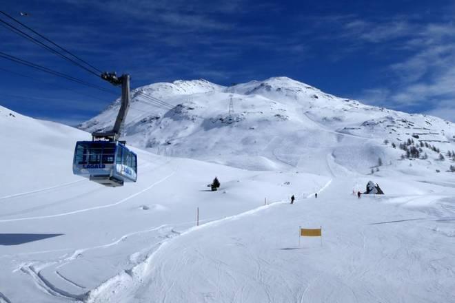 Ski lesson St. Moritz: Diavolezza-Corvatsch-Pontresina (half day), from €60  per person - Yakki