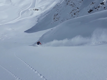 Experience (price per group): Freeride in Val Senales