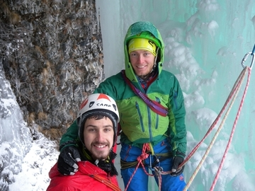 Experience (price per group): Ice climbing in the Dolomites