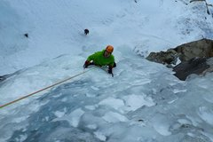 Experience (price per group): Ice Climbing Lillaz - Cogne