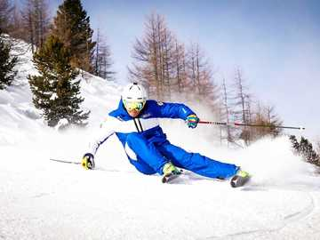 Experience (price per person): Private alpine skiing lesson in Livigno