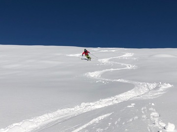 Adventure (price per group): Ski mountaineering in the Maira Valley