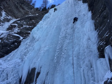 Adventure (price per group): Cogne and Lillaz ice climbing