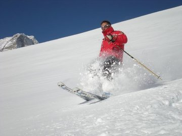 Experience (price per person): Alpine skiing and snow kiting in Folgaria, Monte Bondone, Andalo