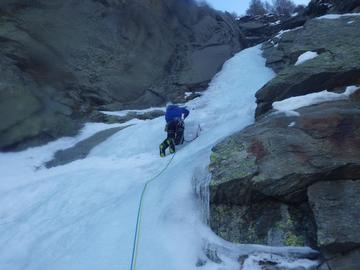 Experience (price per person): Ice Climbing in Chamonix Valley