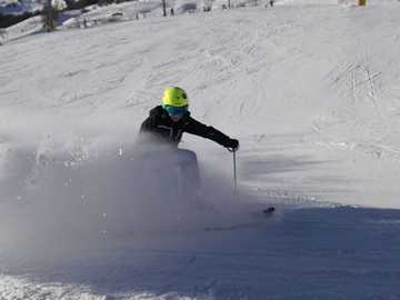 Experience (price per person): Private ski lesson in Livigno (1 hour)