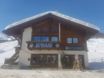 Experience (price per person): Private ski lesson (3 hours)
