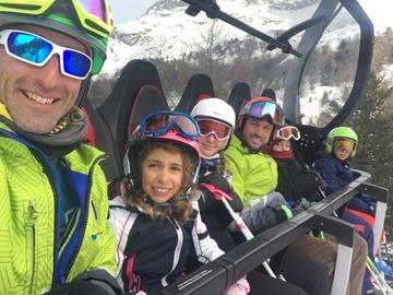 Experience (price per group): Group ski lesson at Piani di Bobbio
