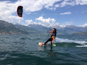 Experience (price per person): Basic kitesurf courses of 5 hours of lessons