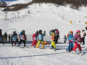 Experience (price per person): Group ski lesson for everybody in Livigno (6 days - 2 hours/day)