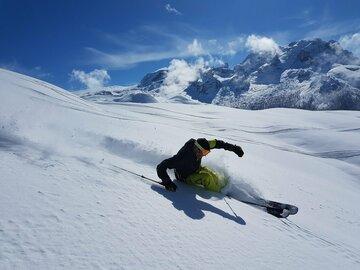 Experience (price per person): Ski lesson in Madonna di Campiglio