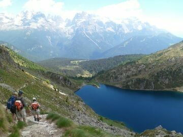 Experience (price per person): Tour of the 5 Lakes