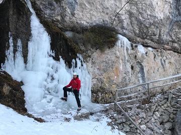 Experience (price per person): Ice climbing in the Adamello Brenta Nature Park