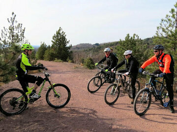 Experience (price per person): MTB e-bike courses: basic/intermediate and personalized.
