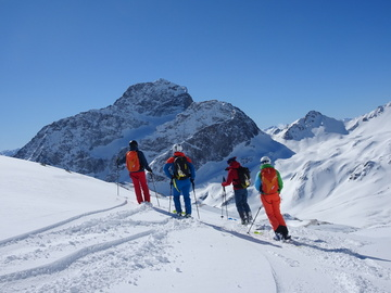 Avventura (prezzo per persona): 3 days freeriding in Engadin with optional heliskiing!