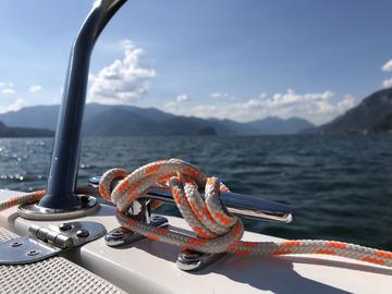 Experience (price per person): Sport boat driving licence sea