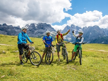 "Experience (price per person): The ""Brenta Dolomites"" at a stroke of the pedal"