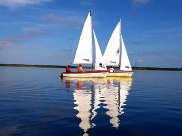 Experience (price per person): Dinghy sailing
