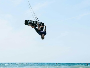 Voyages (price per person): 1 Week VIP Pack Kitesurf + Accommodation