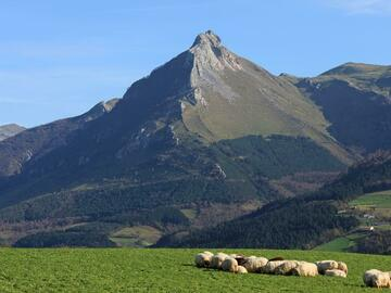 Experience (price per person): Txindoki (1346m)