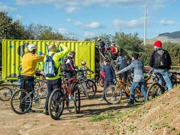 Experience (price per person): Basic MTB and road bike course