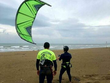 Entdeckung (preis pro person): Kitesurfing course including IKO certification