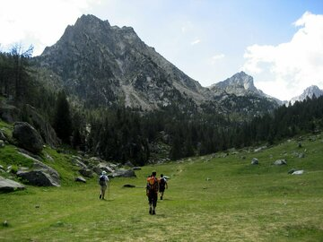 Adventure (price per person): Trekking Carros de Foc - Aigüestortes and Estanys de Sant Maurici